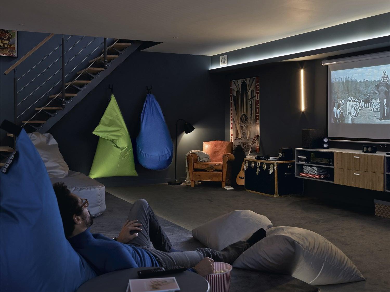 Transformer le sous-sol en espace cinéma