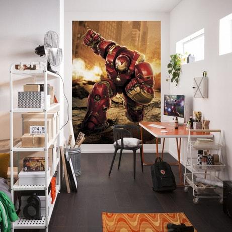 Le poster trouve parfaitement sa place sur le mur