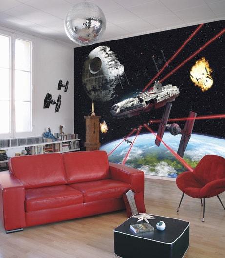 Le Falcon Millennium au mur pour les fans de Star Wars