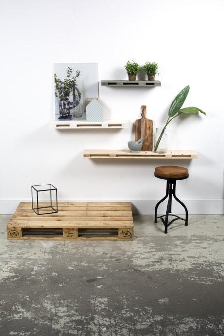 Des étagères en palettes de bois pour un style naturel