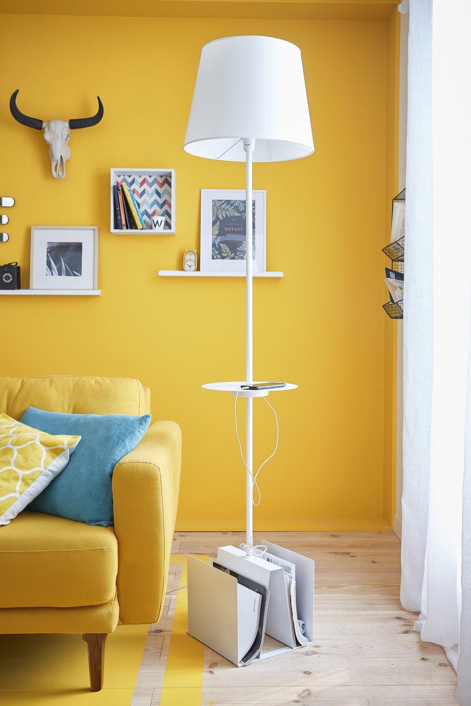 un lampadaire de salon multifonction tr s pratique leroy merlin. Black Bedroom Furniture Sets. Home Design Ideas