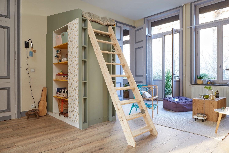 Chambre enfant dans les tons pastel avec une mezzanine permettant de gagner de l 39 espace leroy - Chambre enfant espace ...