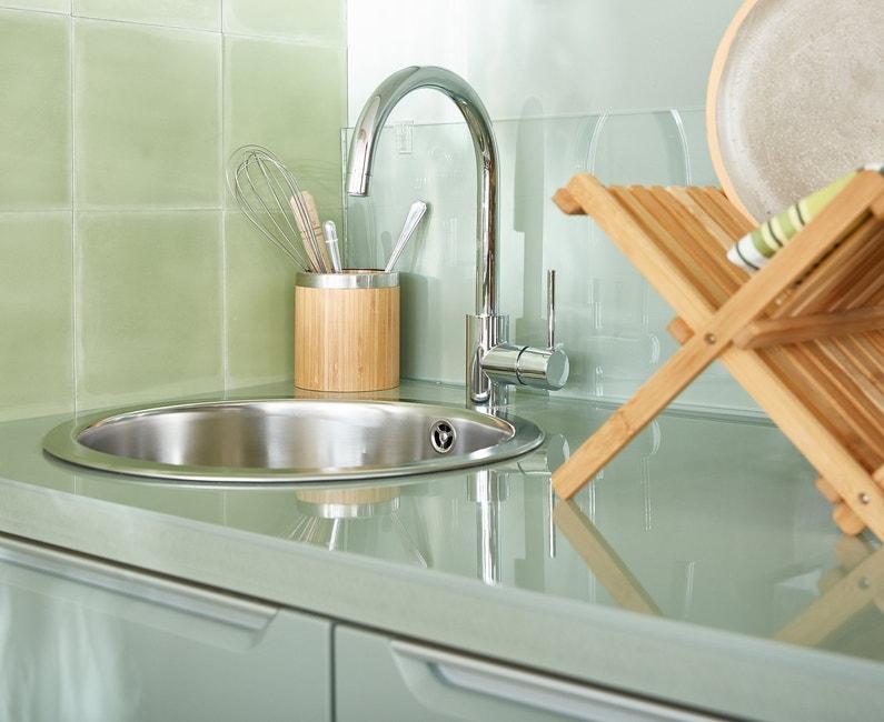 accord parfait du bois et de l 39 inox dans la cuisine leroy merlin. Black Bedroom Furniture Sets. Home Design Ideas