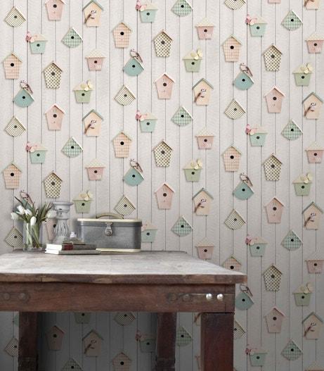Donner du relief avec ce papier peint trompe l'oeil avec des petits nichoirs multicolores