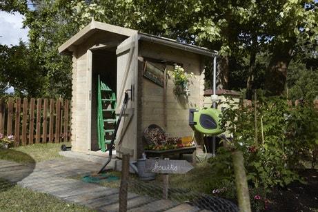 Un abri de jardin pour y ranger outils et matériels de jardin