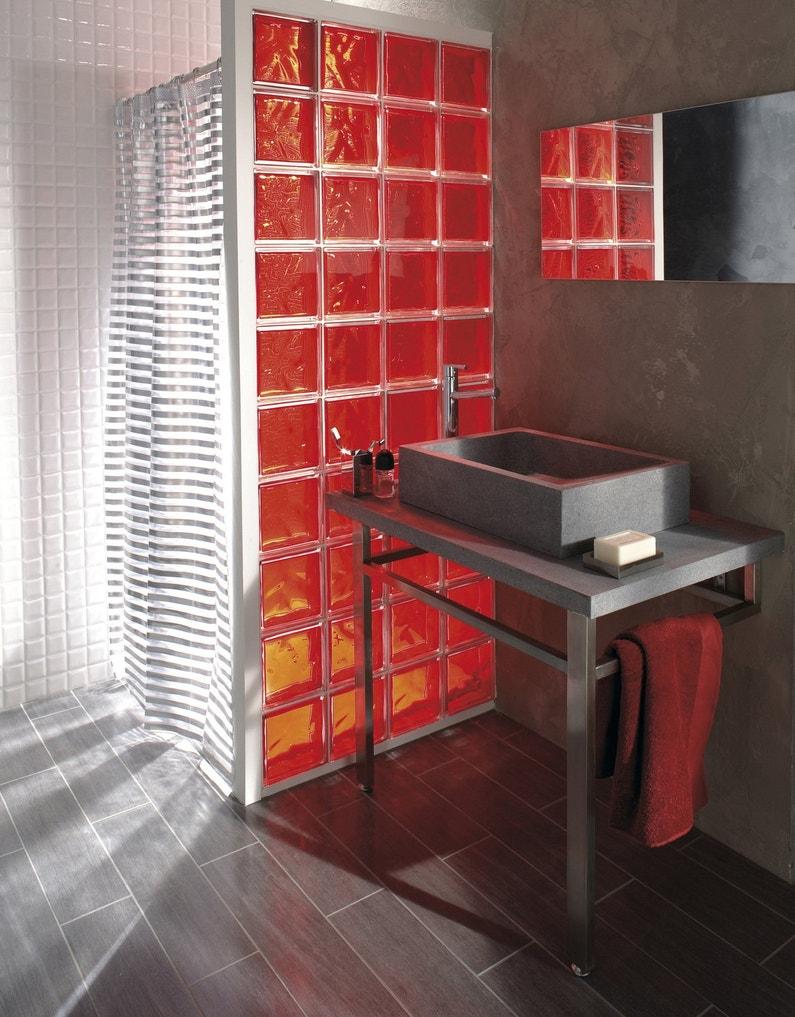 des briques de verre pour salle de bains leroy merlin. Black Bedroom Furniture Sets. Home Design Ideas