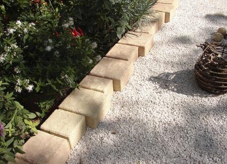 Bordure extérieure en pierre