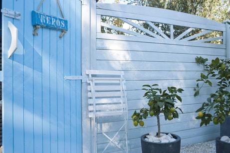 Des clôtures en bois pour une décoration personnalisée