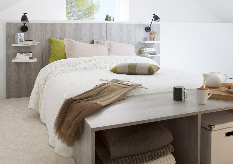 une t te de lit avec des tablettes en m lamin leroy merlin. Black Bedroom Furniture Sets. Home Design Ideas