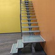 escalier quart tournant mona structure aluminium marche. Black Bedroom Furniture Sets. Home Design Ideas