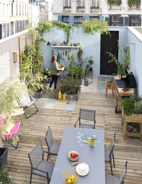 Des id es pour d corer la cour ou le patio leroy merlin for Decorer une terrasse