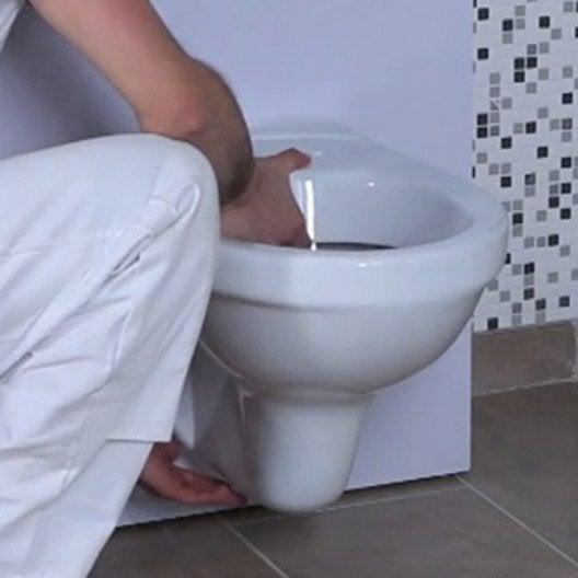 Remplacer un wc poser par un wc suspendu 1h30 2h leroy merlin - Remplacer un bidet par un wc ...