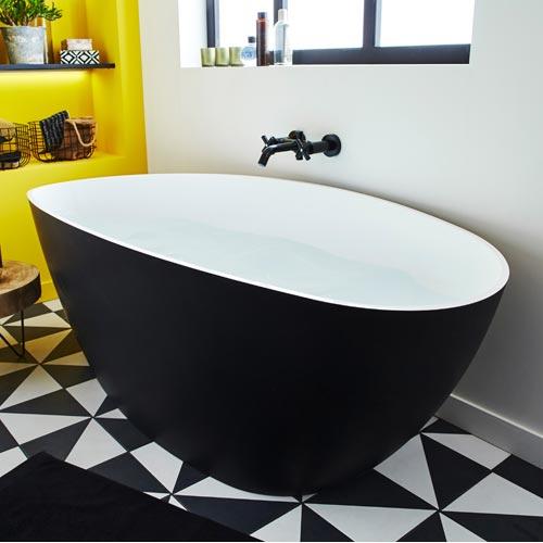 Baignoire salle de bains leroy merlin for Baignoire noire et blanche