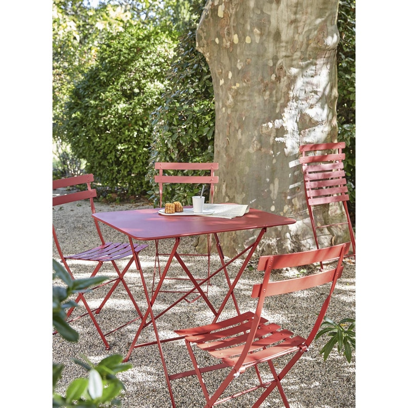 Table de jardin FERMOB Bistro rectangulaire piment 2 personnes ...
