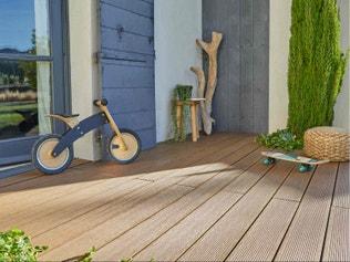 comment r aliser une terrasse carrel e leroy merlin. Black Bedroom Furniture Sets. Home Design Ideas