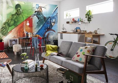 Pour donner de la couleur à la pièce , le poster des Avengers est idéal !