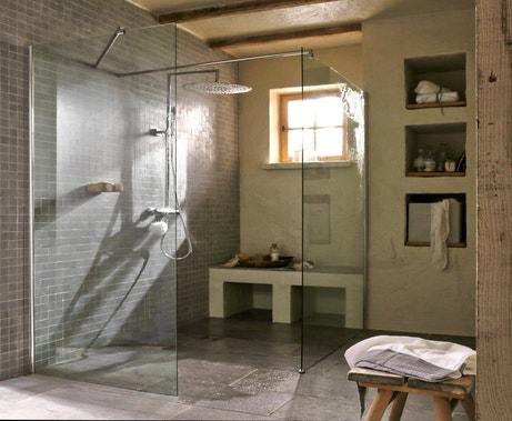Plaisir de taille dans cette douche