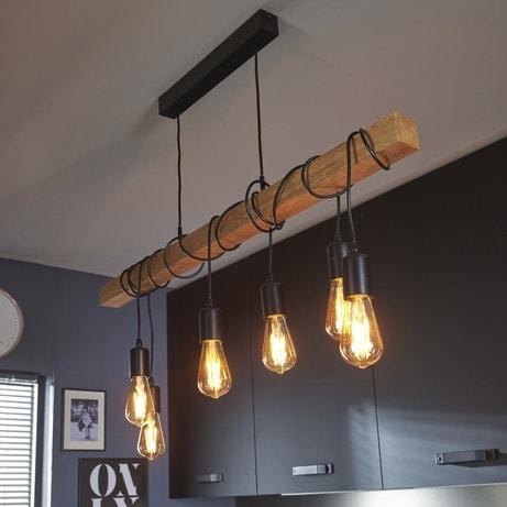 La supension tendance mélangeant le bois et les ampoules à filament