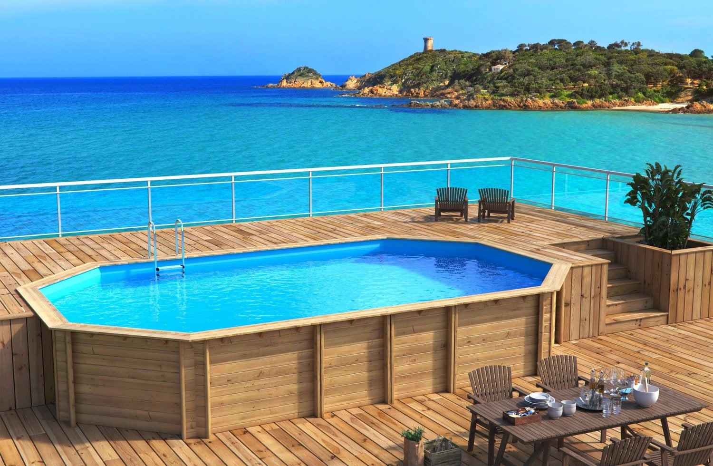 beau Une piscine semi-enterrée en bois