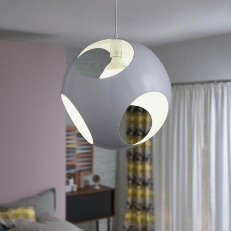 Une suspension qui laissse passer la lumière à trois endroits