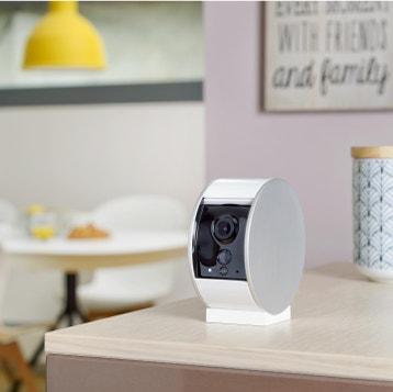 Livraison web offerte Caméra de surveillance intérieure connectée filaire,  blanche SOMFY PROTECT 8cb6ab631151