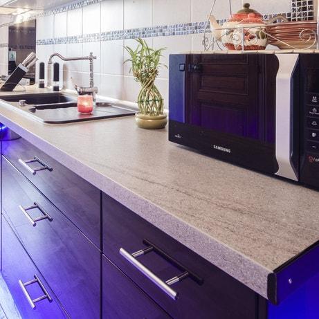 La cuisine noire et classique de Pascale à Chaumont-en-Vexin