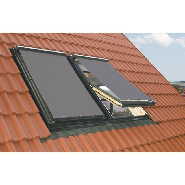 un store pare soleil pour une fen tre de toit leroy merlin. Black Bedroom Furniture Sets. Home Design Ideas