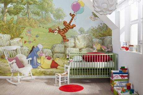 Une chambre de bébé avec les amis de Winnie