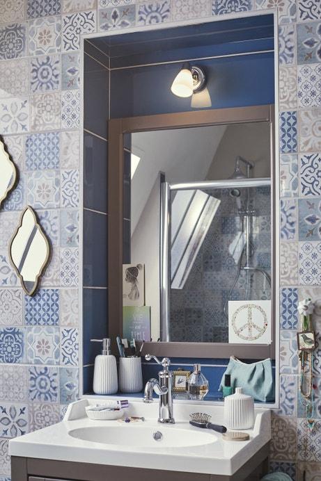 illuminez votre salle de bains leroy merlin. Black Bedroom Furniture Sets. Home Design Ideas
