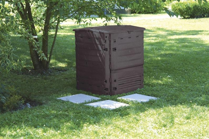un bac compost pour le jardin leroy merlin. Black Bedroom Furniture Sets. Home Design Ideas