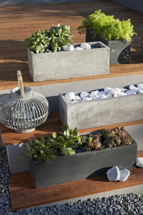Des jardinières en pierre pour une décoration chic