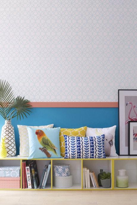 Des coussins multicolore qui se fondent dans ce salon au style contemporain