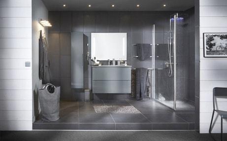 donner de la profondeur à vortre salle d'eau avec un camaïeu de gris