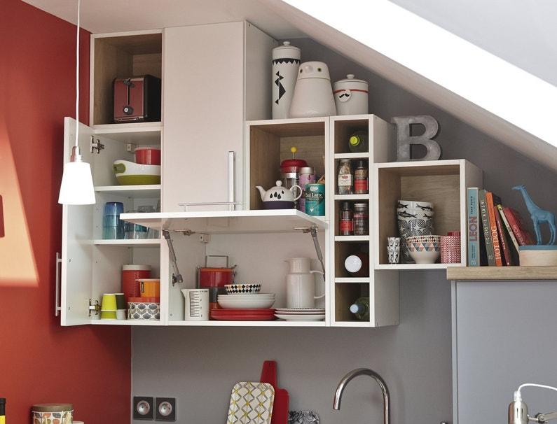 optimiser l 39 espace de rangement dans une cuisine sous pente leroy merlin. Black Bedroom Furniture Sets. Home Design Ideas