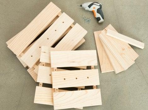 diy r aliser un banc en bois avec des rangements roulettes leroy merlin. Black Bedroom Furniture Sets. Home Design Ideas