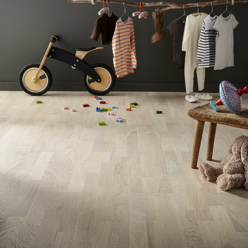 parquet artens line ch ne plume clair chambre d 39 enfant leroy merlin. Black Bedroom Furniture Sets. Home Design Ideas