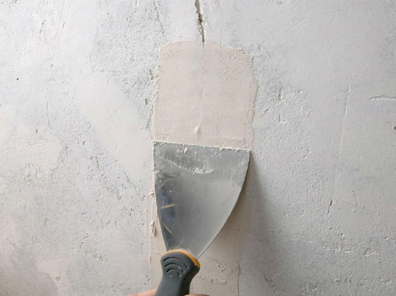 Réparer les fissures sur les murs intérieurs