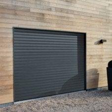Une porte de garage, sécurité renforcée