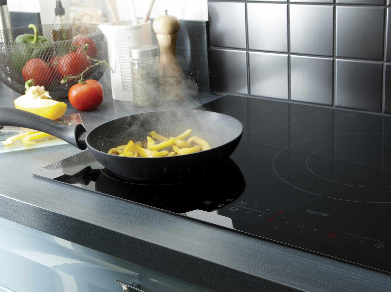 plaque de cuisson gaz 5 foyers noir electrolux egt7353yok leroy merlin. Black Bedroom Furniture Sets. Home Design Ideas
