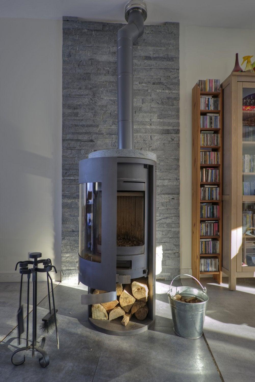 de nombreux accessoires pour votre po le bois leroy merlin. Black Bedroom Furniture Sets. Home Design Ideas