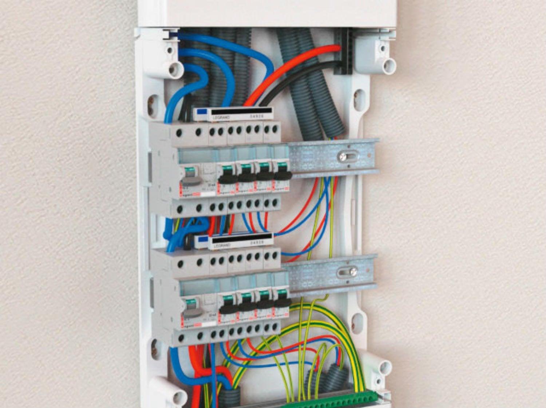 Norme electrique pour une maison kit placard coulissant - Norme branchement four electrique ...