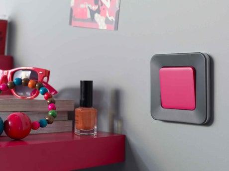 bien choisir une prise ou un interrupteur d 39 int rieur leroy merlin. Black Bedroom Furniture Sets. Home Design Ideas
