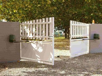 tout savoir sur la motorisation de portails leroy merlin. Black Bedroom Furniture Sets. Home Design Ideas