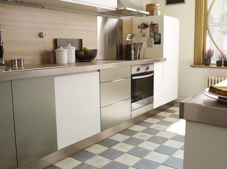 Une petite cuisine très lumineuse