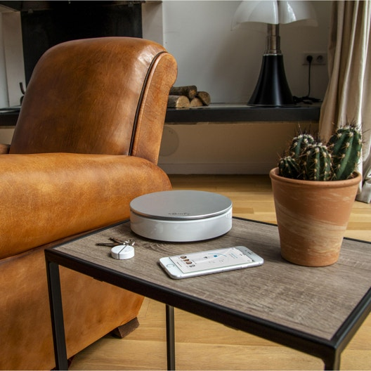 alarme maison sans fil connect e et compatible animaux home alarm xl somfy prote leroy merlin. Black Bedroom Furniture Sets. Home Design Ideas