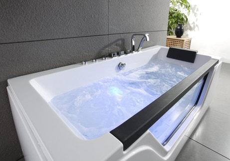 Une baignoire balnéothérapie pour se détendre