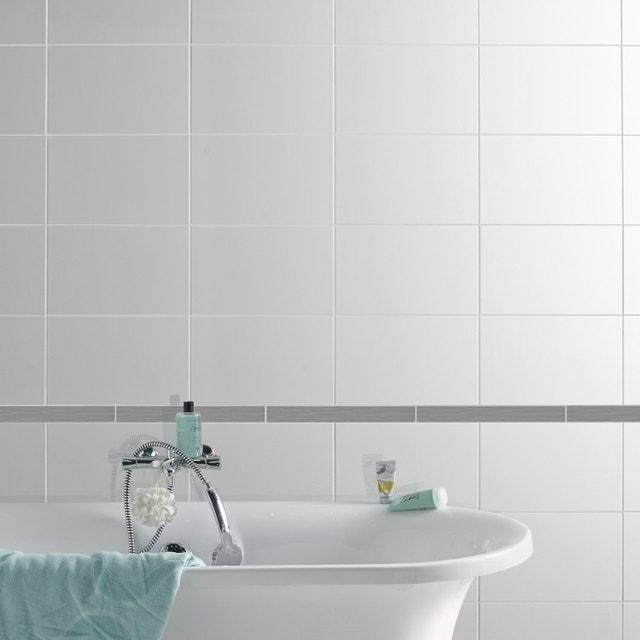 une frise pour carrelage de salle de bains effet metal leroy merlin. Black Bedroom Furniture Sets. Home Design Ideas