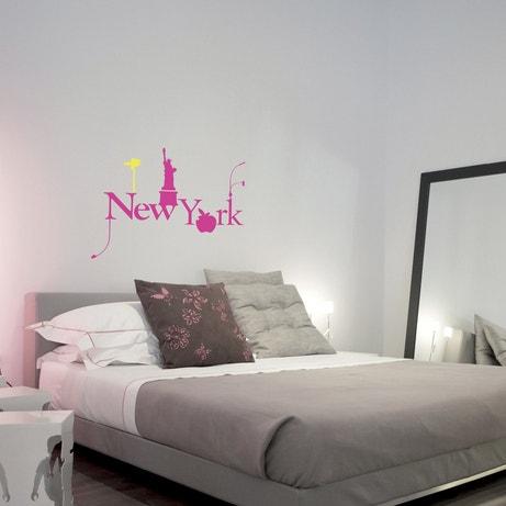 Décorez votre tête de lit avec un pochoir New york rose