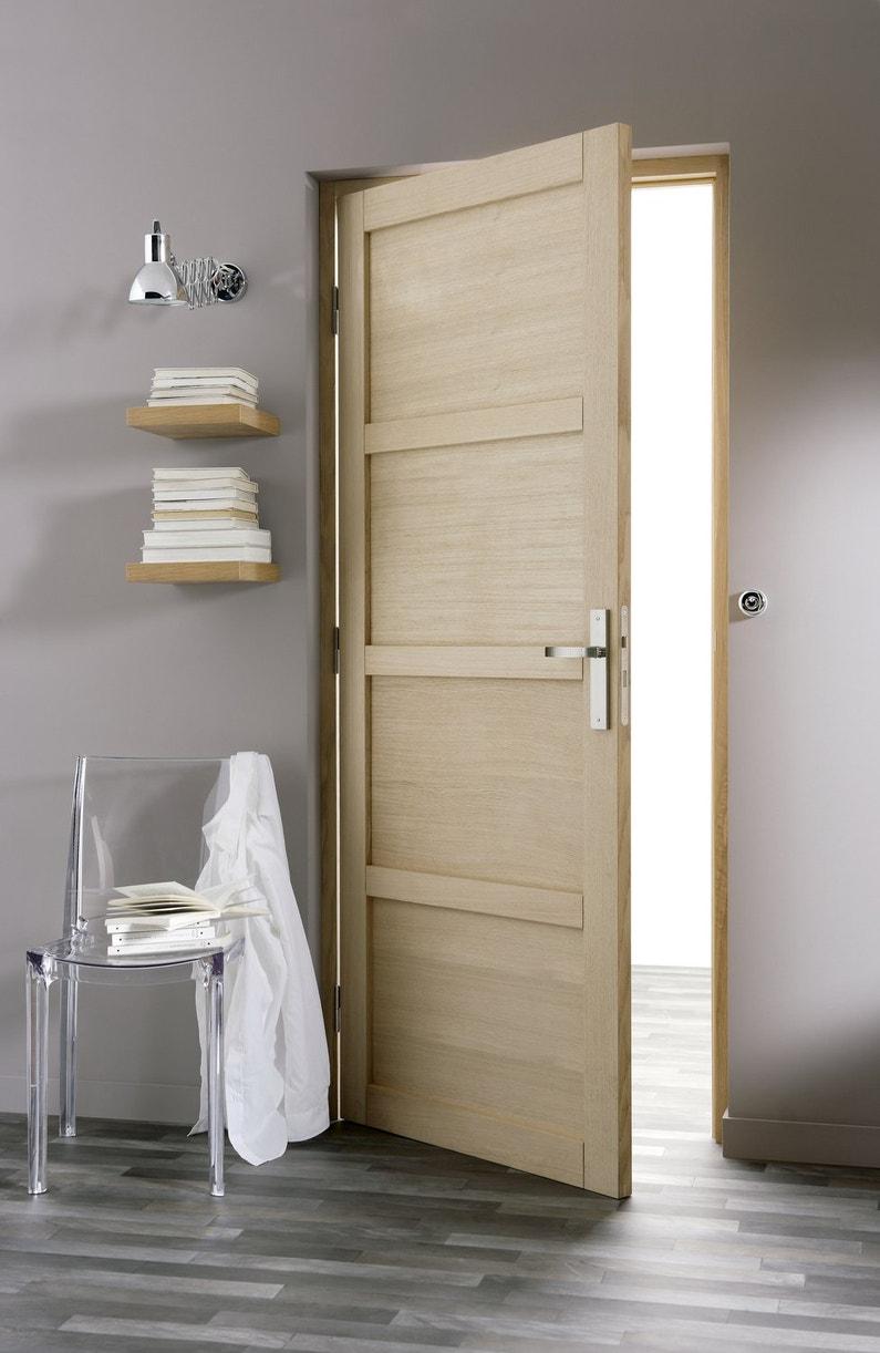 Porte intérieure en bois clair