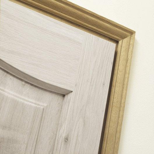 Kit chambranle pour porte de 73 cm pin leroy merlin for Porte bois 60 cm